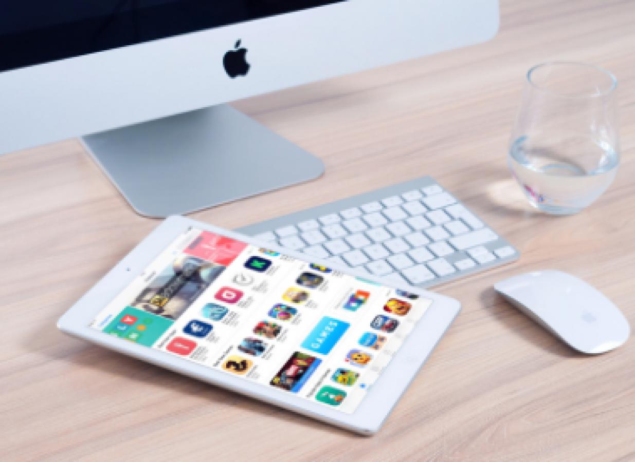mackbook and iphone